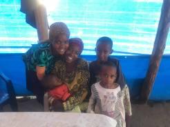 Joyce with her 4 kids